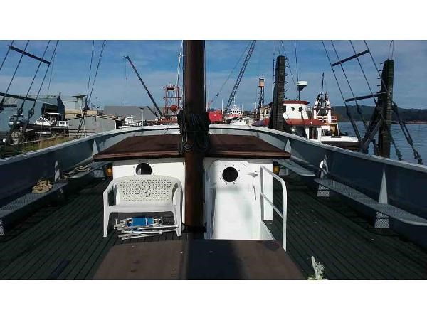 1966 Custom Charter or Private Yacht Photo 18 sur 36