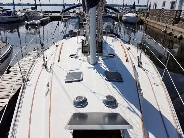 1984 Hunter 34 Sloop Photo 3 sur 29