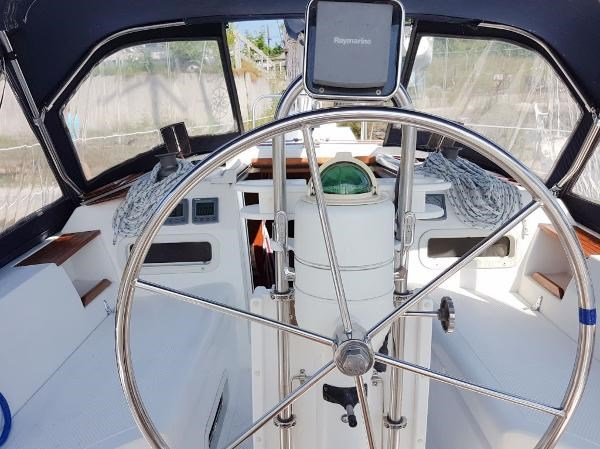 1984 Hunter 34 Sloop Photo 10 sur 29