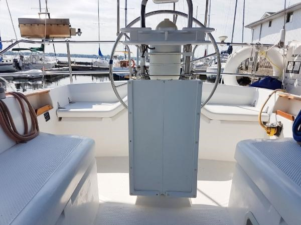 1984 Hunter 34 Sloop Photo 12 sur 29