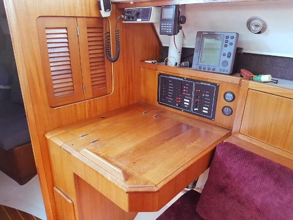 1984 Hunter 34 Sloop Photo 20 sur 29
