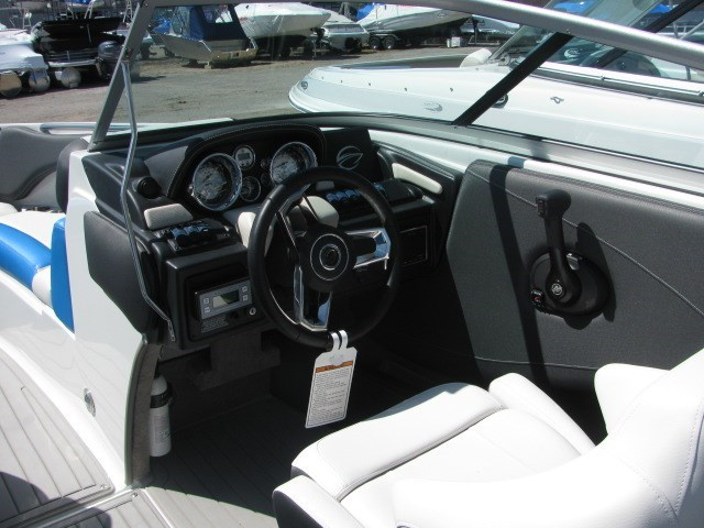 2018 Crownline 225 SS Photo 8 of 26