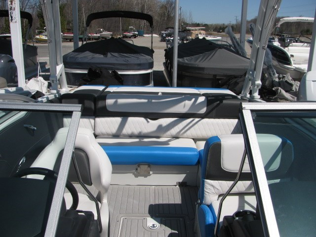 2018 Crownline 225 SS Photo 18 of 26