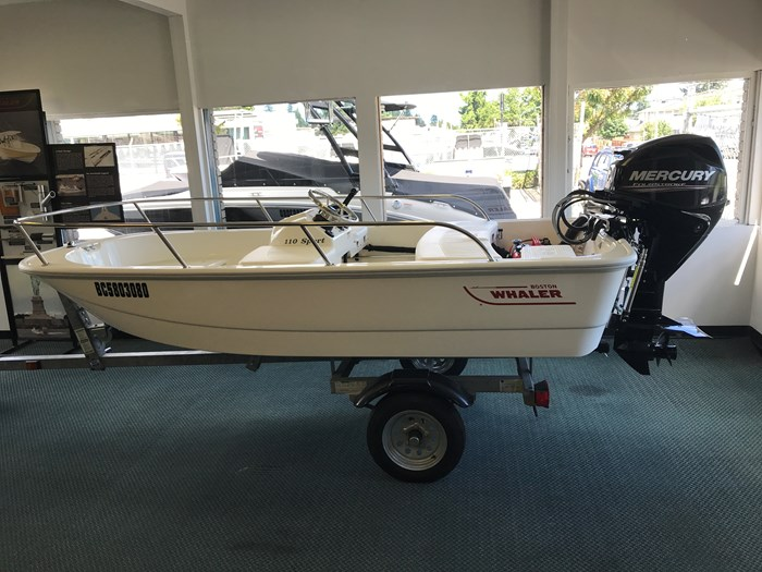 Boston Whaler 110 Sport 2017 New Boat for Sale in Burnaby