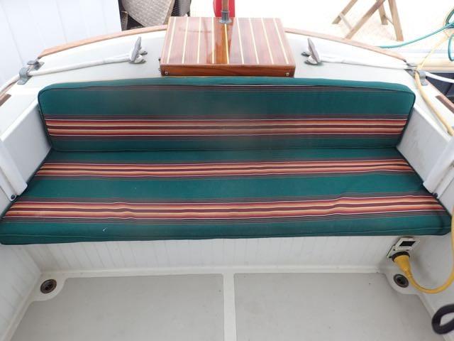 1987 Express Yachts Scout 30 - Photo 7 sur 26