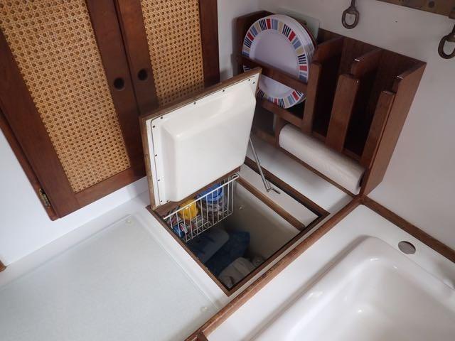 1987 Express Yachts Scout 30 - Photo 20 sur 26