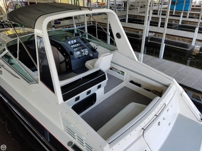 1989 Chaparral Laser 32 Photo 11 of 20