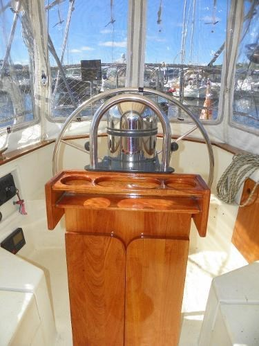1985 Alberg 34 sloop Photo 6 of 22
