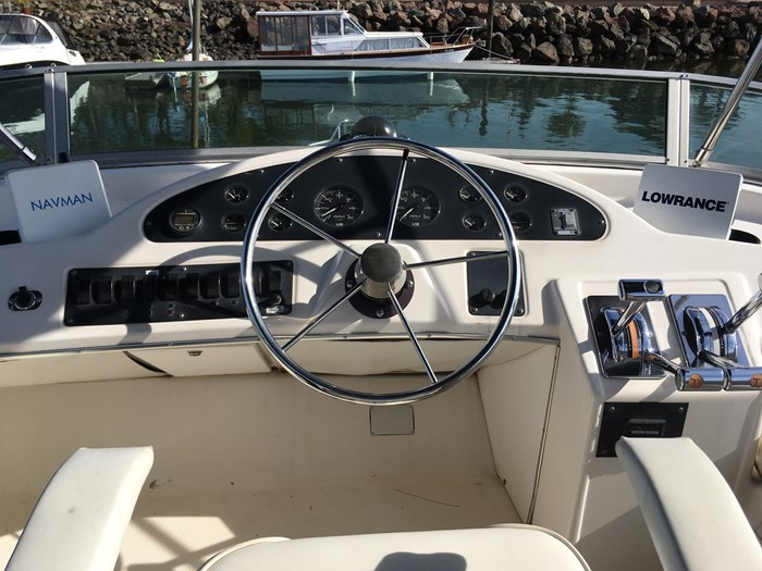 1998 Bayliner 3388 Motor Yacht Series Photo 15 of 20