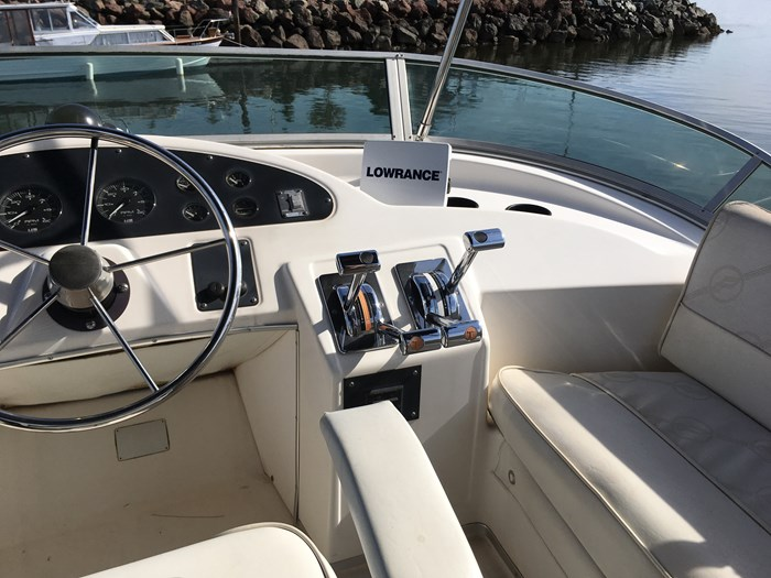 1998 Bayliner 3388 Motor Yacht Series Photo 17 of 20