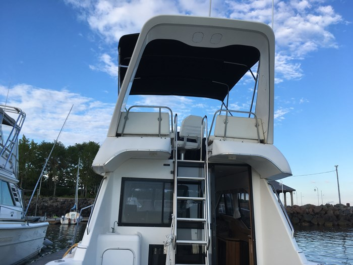 1998 Bayliner 3388 Motor Yacht Series Photo 19 of 20