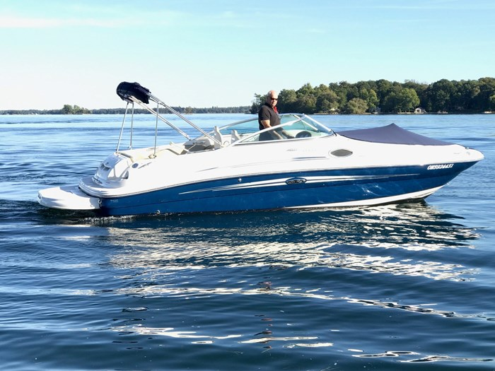 2007 Sea Ray 240 Sundeck Photo 2 sur 14