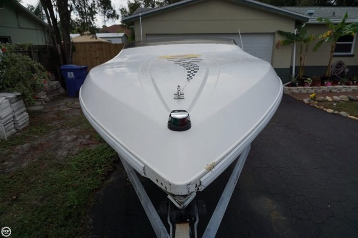 1995 Wellcraft 22 Scarab Photo 11 of 20