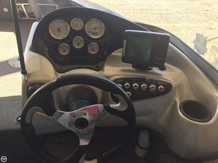2014 Tracker Targa V-18 WT Photo 12 of 19