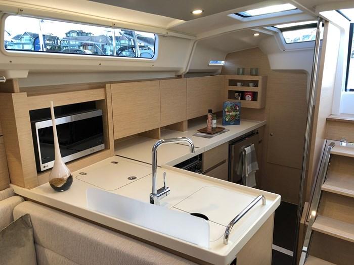 2020 Hanse Yachts 41 418 Photo 4 of 46