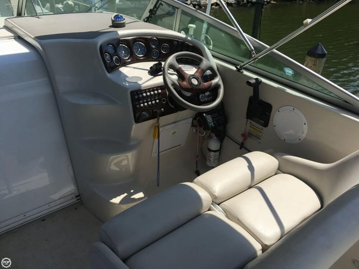 2002 Crownline 262 CR Photo 4 sur 20