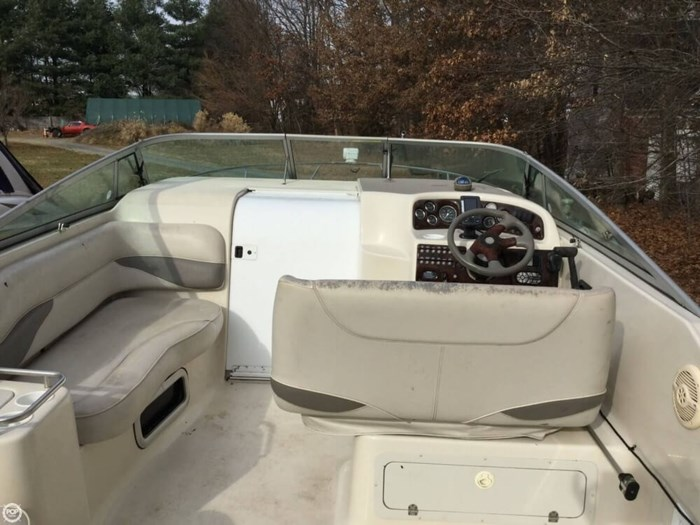2002 Crownline 262 CR Photo 18 sur 20