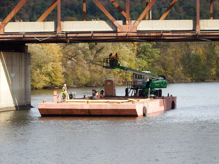 1948 100' x 34' x 7' Barge For Charter Only Photo 1 sur 5