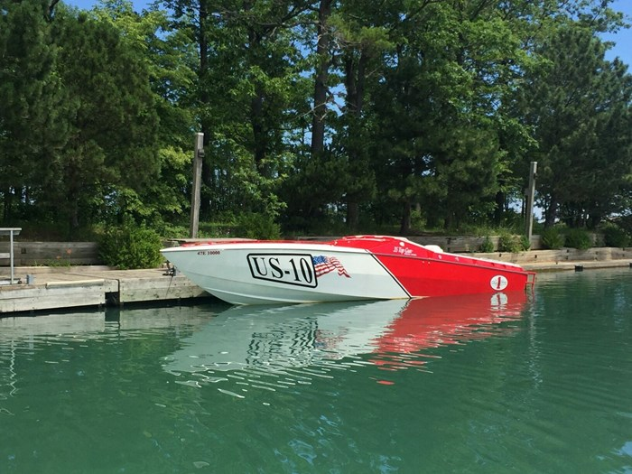 Cigarette 35 Top Gun Limited Edition 2000 Used Boat For Sale In Grimsby Ontario Boatdealers Ca