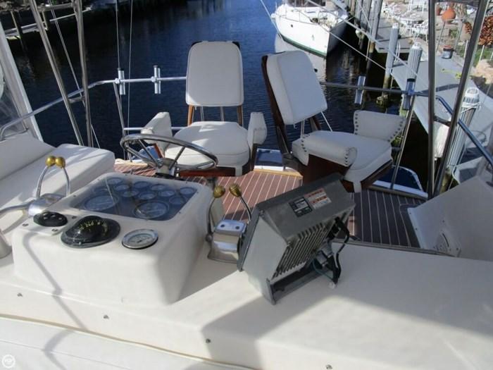 1983 Ocean Yachts 46 Super Sport Photo 7 sur 20