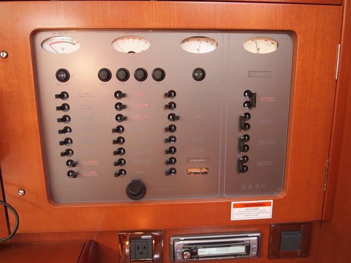 2006 Beneteau 523 Photo 8 sur 92