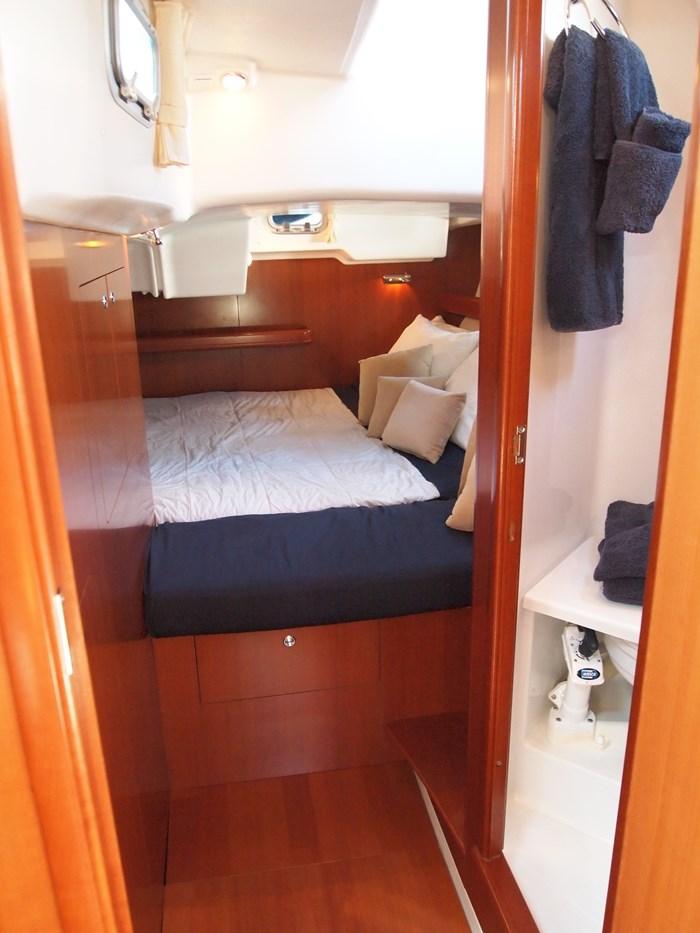 2006 Beneteau 523 Photo 25 sur 92