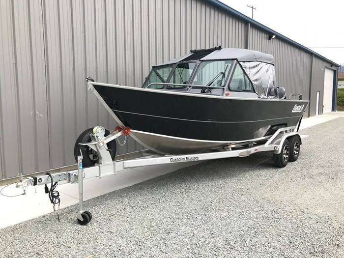 2021 Rogue Jet Boatworks Coastal 21 Outboard Model Photo 9 of 101