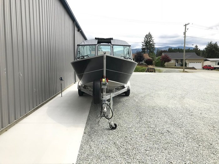 2021 Rogue Jet Boatworks Coastal 21 Outboard Model Photo 10 of 101