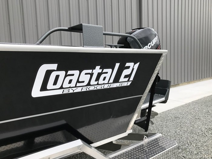 2021 Rogue Jet Boatworks Coastal 21 Outboard Model Photo 21 of 101