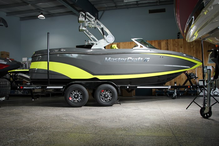 Upscale Waterskiing Wakeboard and Sport Boats - BoatDealers ca Article