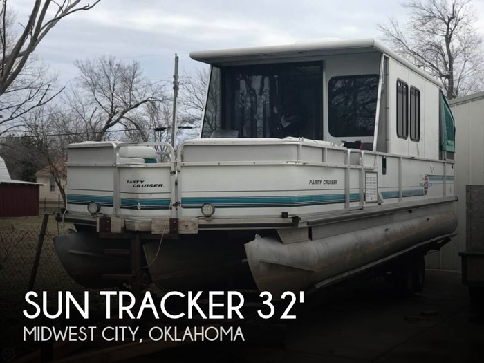 1995 Sun Tracker Party Cruiser 32 Photo 1 of 20