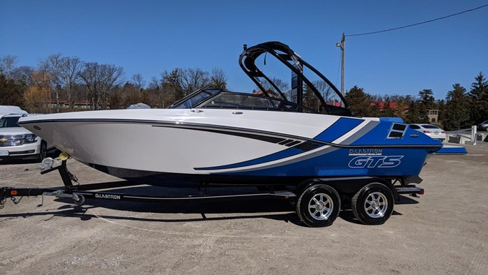 Glastron GTS 225 2018 New Boat for Sale in Grand Bend, Ontario -  BoatDealers ca
