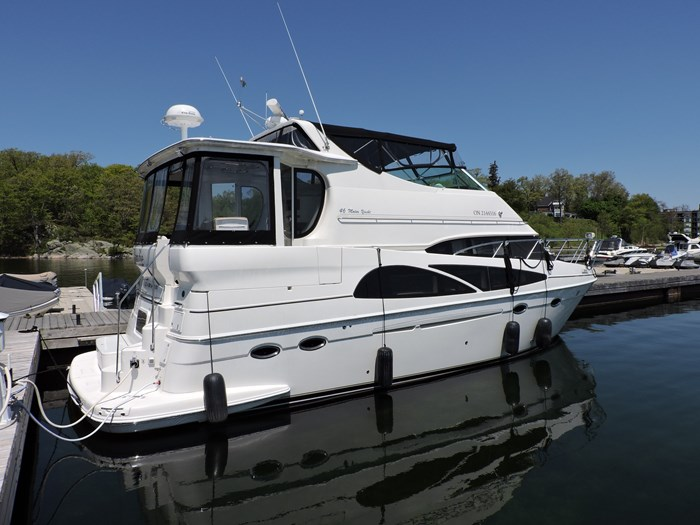 2005 Carver 46 Motor Yacht Photo 2 of 70