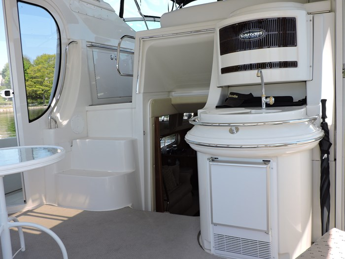 2005 Carver 46 Motor Yacht Photo 6 of 70