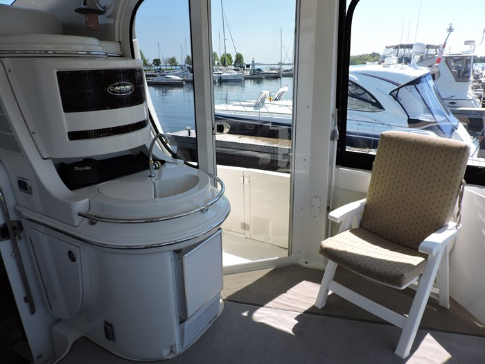2005 Carver 46 Motor Yacht Photo 11 of 70