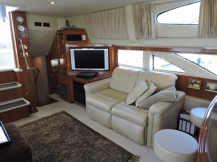 2005 Carver 46 Motor Yacht Photo 28 of 70