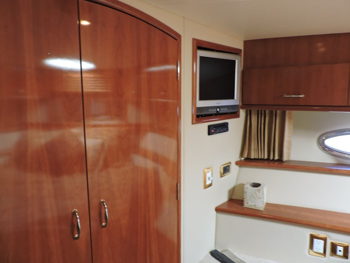 2005 Carver 46 Motor Yacht Photo 42 of 70