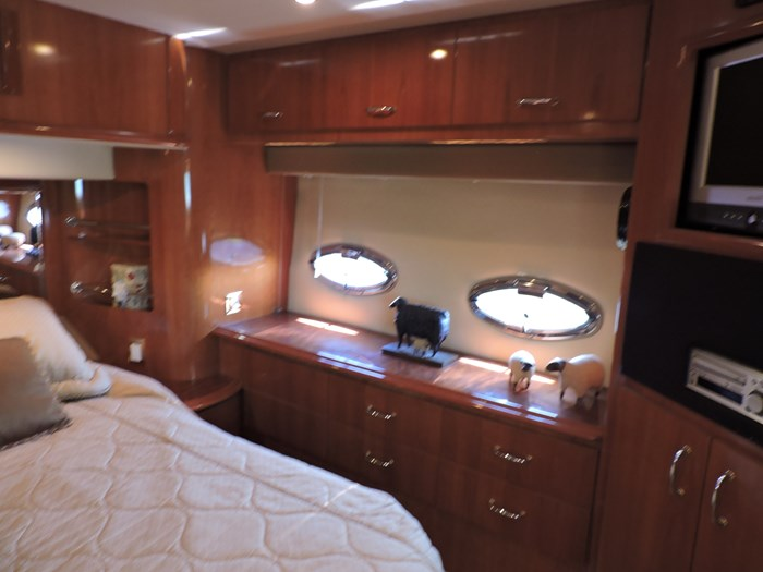 2005 Carver 46 Motor Yacht Photo 52 of 70