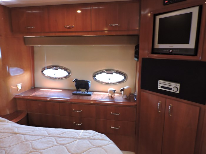 2005 Carver 46 Motor Yacht Photo 53 of 70