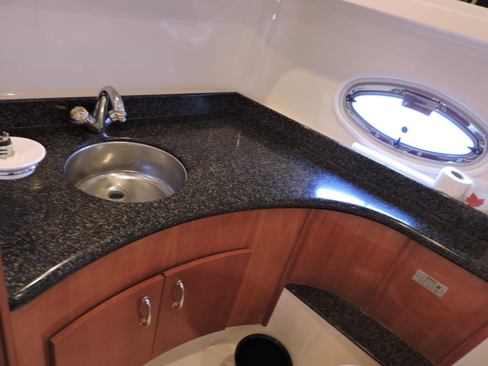 2005 Carver 46 Motor Yacht Photo 58 of 70