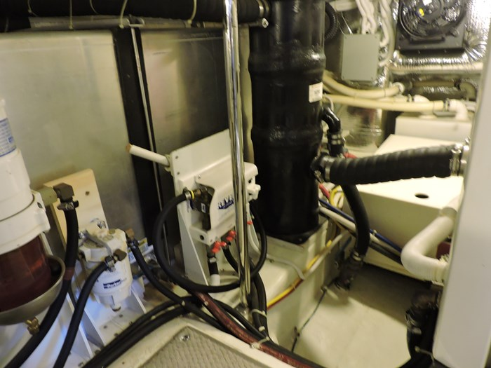 2005 Carver 46 Motor Yacht Photo 70 of 70