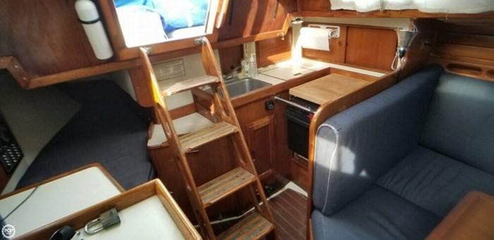 1985 Ericson Yachts 30 Plus Photo 4 of 20