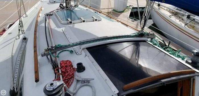 1985 Ericson Yachts 30 Plus Photo 14 of 20