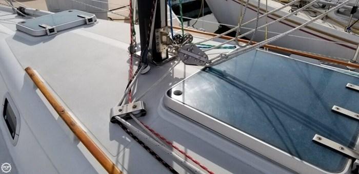 1985 Ericson Yachts 30 Plus Photo 16 of 20