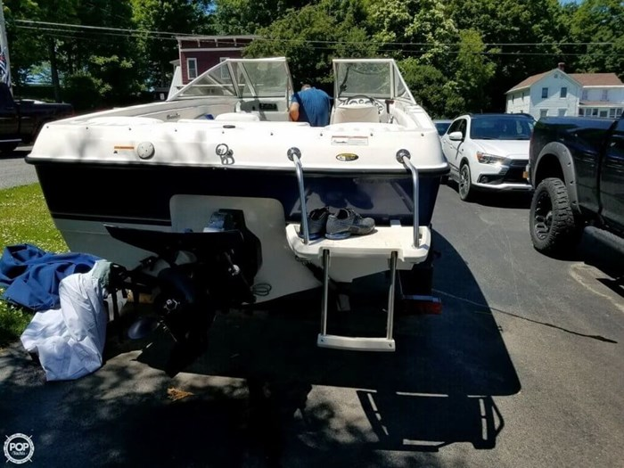 2011 Bayliner 195 Discovery Photo 4 sur 8