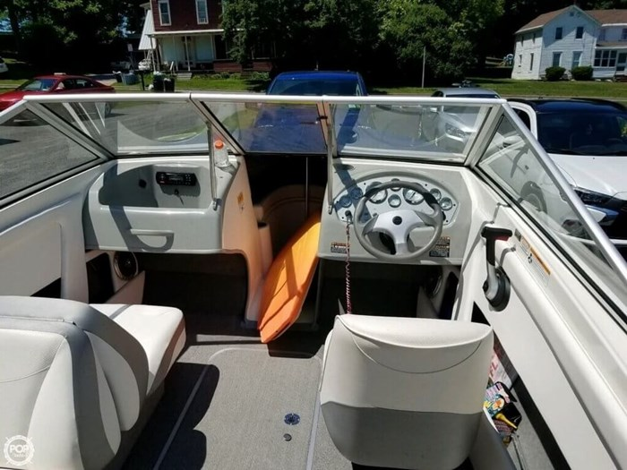 2011 Bayliner 195 Discovery Photo 7 sur 8