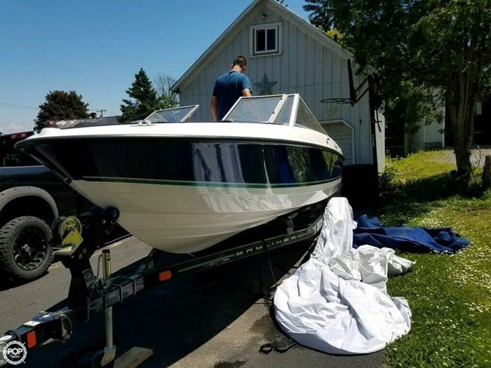 2011 Bayliner 195 Discovery Photo 3 sur 8
