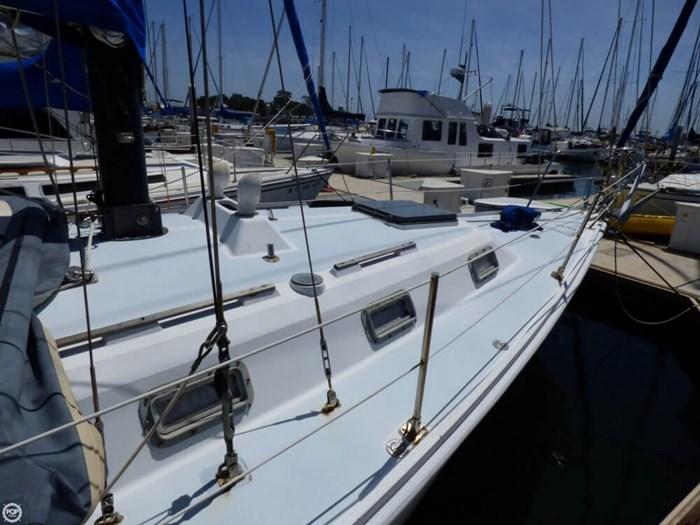 1980 Ericson Yachts 38 Photo 7 sur 20