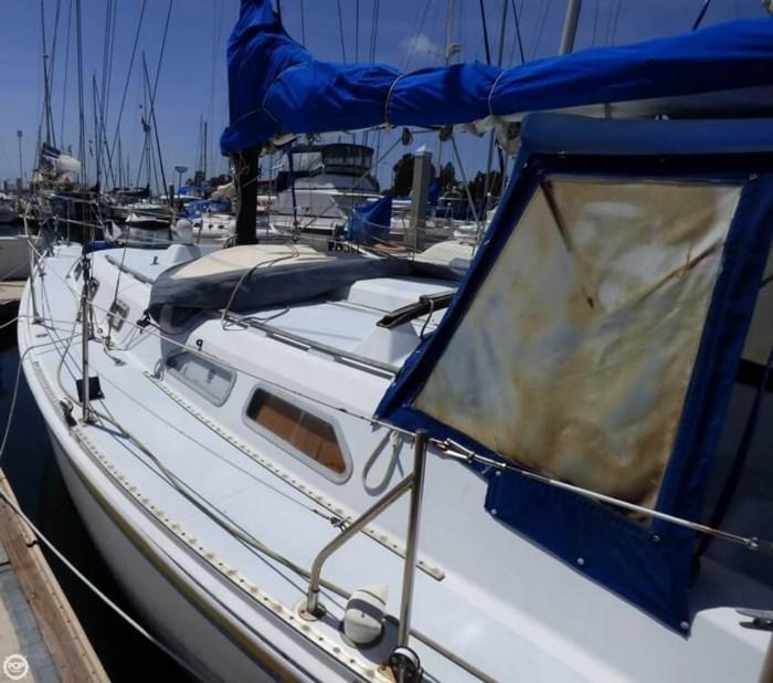1980 Ericson Yachts 38 Photo 10 sur 20