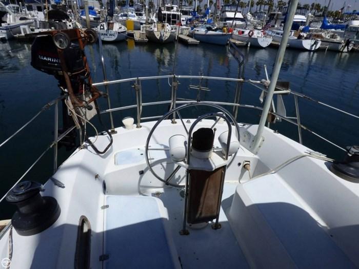 1980 Ericson Yachts 38 Photo 13 sur 20